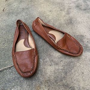 Boc brown leather loafers size 8